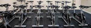 Bicicletas ergométricas contam com diversas características a seu favor.